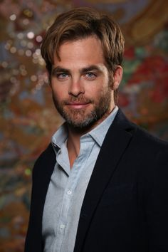 Time for new Chris shots since there just can't be enough Chris Pine photos in the world Chris Pine, Chris Pratt, Chris Evans, Kenneth Branagh, Men Are Men, Most Beautiful Man, Gorgeous Guys, Beautiful People, Traditional Looks