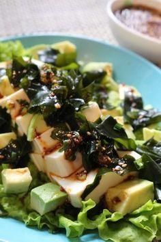 ★豆腐と旬のわかめの韓国風サラダ。