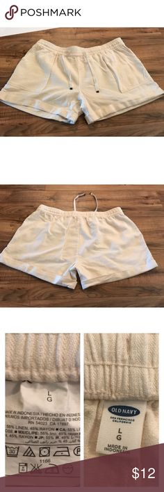 "Old Navy cream linen shorts L Nice cream colored cuffed Old Navy linen blend shorts size large. Elastic drawstring waist 17-18"", rise 11"", inseam 5"". Old Navy Shorts"
