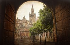 2048x1345 free download pictures of seville