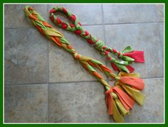 Loft Creations: Fleece Dog Toy Tutorial  they SELL these for ?? at our dog place.  Easy to make for the Maximista!  mm