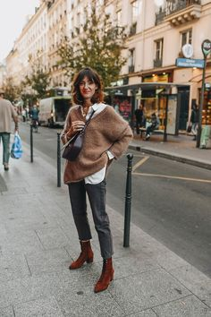 business mode damen Get the sweater for 60 at - Wheretoget Mode Outfits, Casual Outfits, Fashion Outfits, Fall Winter Outfits, Autumn Winter Fashion, Winter Fashion Looks, Mode Lookbook, Mode Ootd, French Girl Style