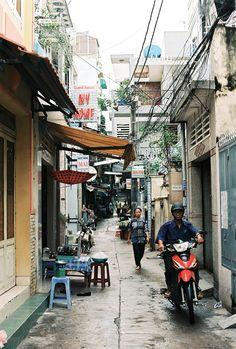 Pham Ngu Lao Street Saigon Remember it well Visit Vietnam, Vietnam Travel, Urban Photography, Street Photography, Laos, Good Morning Vietnam, Asia City, Vietnam History, Beautiful Streets