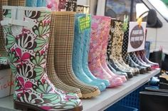 Ever wanted a certain color on some rain boots? Well, here's a way to paint on them with a color YOU want:D