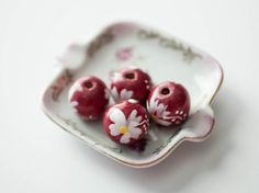 Red Painted Wood Beads Round White Flower Boho Bohemian Jewelry (4)