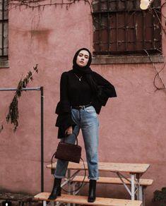 19 Best Ideas Fashion Show Hijab Casual - Hijab fashion Modern Hijab Fashion, Arab Fashion, Hijab Fashion Inspiration, Muslim Fashion, Batik Fashion, Aesthetic Fashion, Indian Fashion, Men Fashion, Fashion Brands