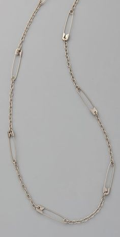 safety pin necklace - just quirky enough, while still pretty simple