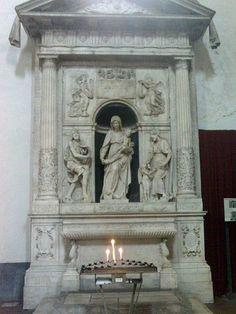 File:DomenicoMaggioreNaples21.jpg