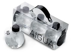 The circular shape of the bottle works well with water. It is like a drop of water. Also, the clear bottle works because you can see how clear the water is. Water Packaging, Cool Packaging, Beverage Packaging, Bottle Packaging, Brand Packaging, Plastic Packaging, Beauty Packaging, Product Packaging, Label Design