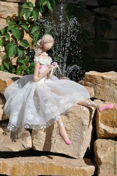 Sweet and beautiful! Dance Crafts, Ballerina Doll, Christmas Gift Bags, Fairy Dress, Doll Maker, Waldorf Dolls, Soft Dolls, Soft Sculpture, Fabric Dolls
