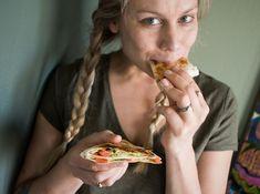 Kodin Kuvalehti – Blogit | Oispa aina nälkä! – Pieni suuri oivallus: leivänpaahdintortilla! Food And Drink, Snacks, Vegetables, Appetizers, Vegetable Recipes, Treats, Veggies