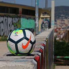 Balón de fútbol Nike La Liga 2017-2018 Balón De Fútbol Nike 3baebdc8ce811