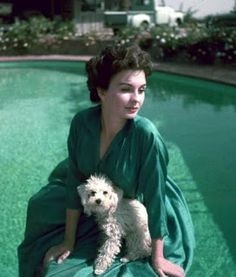 Jean Simmons and her white poodle