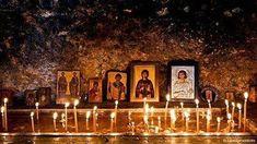 Εσείς ξέρετε σε ποιες παθήσεις βοηθούν οι Άγιοι της Εκκλησίας ο καθένας ξεχωριστά Faith In God, Mount Rushmore, Religion, Photo Wall, Spirituality, Christian, Frame, Painting, Home Decor
