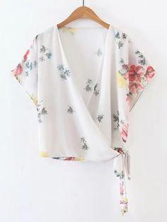 Surplice Front Tie Waist Floral Top Kimono Shrug, Kimono Outfit, Boho Fashion, Fashion Outfits, Tie Blouse, Blouse Styles, Minimalist Fashion, Clothing Patterns, Floral Tops