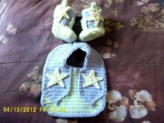 crochet bib and boots - Little Sheriff - TOO CUTE!