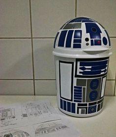 lixeira geek / nerd para quarto de criança (ou adulto): R2 D2 (starwars) com contact (vinil adesivo)