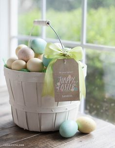 Free printable Easter tags that you can customize with names.