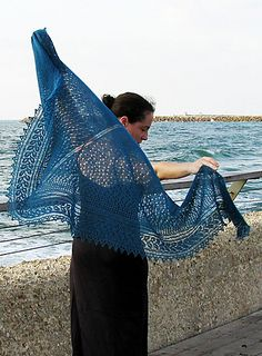 Knitting Patterns Shawl Beautiful knitting porn on this site! This one is a shawl, no crochet involved, just knitting. Knit Or Crochet, Lace Knitting, Crochet Shawl, Crochet Vests, Crochet Cape, Crochet Edgings, Knit Lace, Lace Scarf, Crochet Granny
