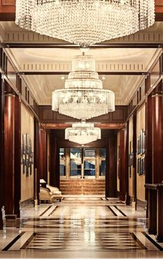 Make sure to look up while staying at the JW Marriott Essex House in #NYC.