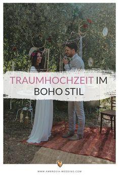 Heiraten am Strand in der Sonne am Meer ist wohl die romantischste Art sich zu trauen. Eine Hochzeit in Spanien am Meer ist entspannt und immer wunderschön. Ambrosia Wedding hilft dir bei der Planung deiner Strandhochzeit. Boho Hochzeit am Strand in Spanien. Traumhochzeit im Boho Stil, Boho Wedding in Spanien. Boho Deko für die Boho Braut.  #strandhochzeit #beachwedding #heiratenamstrand #bohowedding #bohohochzeit #bohodeko Hippie Chic, Boho Stil, Minimal Fashion, Wedding Designs, Boho Wedding, Photography, Life, Style, Beach