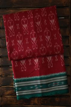 Vibrant colours ,bold contrasts & textured cotton define the handcrafted sarees from Odisha. Bringing to you soulful & ethnic handwoven sarees from Odisha. Celebrate 9 Days 9 States with Matkatus this Navratri :-) Tussar Silk Saree, Cotton Saree, Cotton Silk, Sari Dress, Saree Blouse, Saree Sale, New Designer Dresses, Traditional Indian Wedding, Stylish Sarees