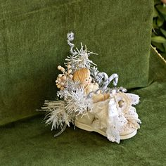 An altered baby shoe in shabby chic style is the perfect baby's first Christmas ornament, It's a beautiful ornamet for your christmas tree, an ideal baby shower decor, nursery decor Baby First Christmas Ornament, Babies First Christmas, Christmas Crafts, Christmas Ornaments, Christmas Christmas, Funny Xmas, Assemblage Art, Diy Projects To Try, Baby Shower Decorations