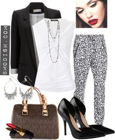 An Outfit Ensemble So Perfectly Fit to Each Other You Can Barely Notice That�s You in the Mirror
