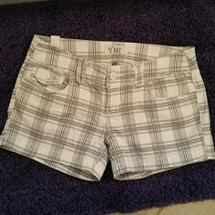 YMI Brand Shorts Size 5 White and Grey, great condition. Size 5. 3 1/2 inch inseam. YMI Shorts