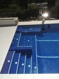 en la costa del garraf y con vistas al mediterrneo hemos realizado una piscina con