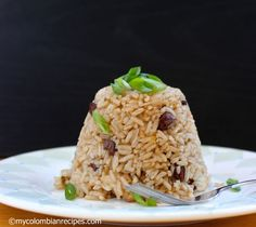 Arroz con Coca-Cola y Pasas (Rice with Cola and Raisins) |mycolombianrecipes.com