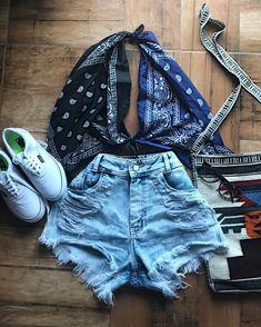 Outfit diy Amor por ♥️Bom dia minhas amorinhas ☀️ Amor por ♥️Bom dia minhas amorinhas ☀️ de hoje 😍Só por quer sei que 🍂 Look Fashion, Diy Fashion, Ideias Fashion, Fashion Outfits, Modest Fashion, Mens Fashion, Fashion Tips, Hijab Fashion, Korean Fashion