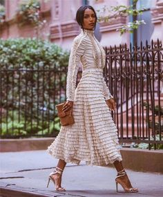 NEW MODEL LOOK Street style outfit ootd fashion style models style beautiful girls Outfits Otoño, Fashion Outfits, Womens Fashion, Ootd Fashion, Style Fashion, Jasmin Tookes, Look Street Style, Fashion Week, Fashion Trends