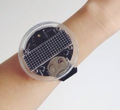 Cool Hacks Diy, Her Style, Smart Watch, Watches, Product Design, Band, Inspiration, Accessories, Biblical Inspiration