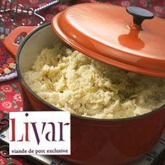 Zuurkoolstamppot met Livar spek: Stamppot van aardappelen, zuurkool en op houtkrullen gerookt Livar spek.