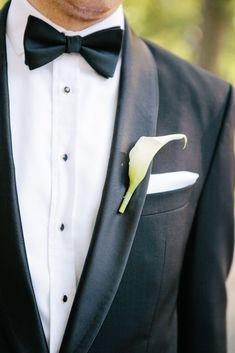 Black Tuxedo With White Calla Lily Boutonniere Tuxedo Suit, Black Tuxedo, Black Tie, Tuxedo Wedding, Wedding Men, Wedding Gowns, Wedding Ideas, Calla Lily Boutonniere, Boutonnieres