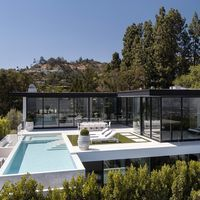 Ultra modern home design with views of downtown LA and the Pacific Ocean listed at $28 million