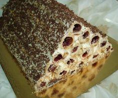 "Un desert frumos și incredibil de gustos: tort polonez ""Pani Walewska"" - Bucatarul New Recipes, Cooking Recipes, Romanian Food, Love Cake, Cream Cake, Banana Bread, Good Food, Food And Drink, Sweets"