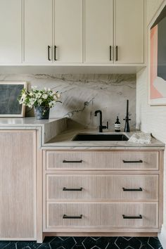 Nest Design, House Design, Country Look, Laundry Room Inspiration, Kitchen Inspiration, Laundry Room Design, Laundry Rooms, Interior Design Kitchen, Kitchen Cabinets