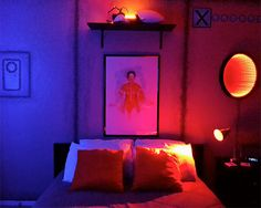 Lauren Jennings transformed her bedroom into Creative Portal themed room. Creative bedroom is filled with posters, signs, and familiar ob. Sister Room, Futuristic Interior, Game Room Decor, Bedroom Themes, Bedroom Ideas, Bedrooms, Furniture Inspiration, Inspired Homes, Dorm Room