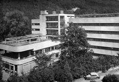 Machnáč Sanatorium, Jaromír Krejcar, Trenčianske Teplice, Czecho-Slovakia (today Slovakia) 1930-32 Streamline Moderne, International Style, Architecture Old, Eastern Europe, Prague, Modernism, Multi Story Building, Art Deco, City