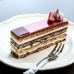 Epres operaszelet Pastry Recipes, Tart Recipes, Healthy Recipes, Hungarian Recipes, Hungarian Food, Cupcakes, Sweet Life, Bakery, Deserts