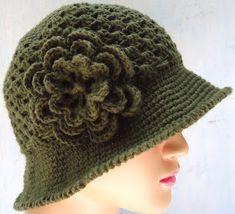Stitch of Love: Crochet Hat and Cap Crochet Adult Hat, Bonnet Crochet, Crochet Hat For Women, Crochet Cap, Crochet Woman, Crochet Beanie, Love Crochet, Crochet Flowers, Crochet Stitches