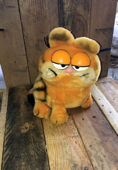 Vintage 1981 Plush Garfield  United Feature Syndicate by