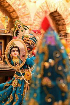 Radhe Krishna with mirror Cute Krishna, Radha Krishna Photo, Radha Krishna Love, Lord Krishna Images, Radha Krishna Pictures, Krishna Photos, Radhe Krishna Wallpapers, Lord Krishna Wallpapers, Lord Shiva Painting