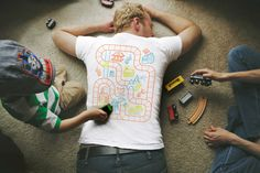 Railroad Play Mat Tshirt [L] Kids Trains Massage Dad. Fathers Day Gift for Dad Birthday Back Massage Father Son Shirt