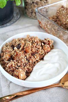 Gezond appelkruimel ontbijtje! Wie houd er niet van appelkruimel?! En weet je dat je dat zelfs als ontbijt kunt eten? Als je het maar gezond maakt!