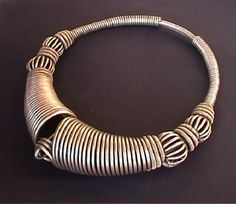 choker comes from Kutch (Gujarat) and its name is dailah (I like this idea as a ring in wire wrap)
