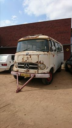 For Sale This is the digital history record for a 1962 Mercedes Benz Bus Mercedes Camper, Old Mercedes, Bus Camper, Small Trucks, Old Trucks, Digital History, Buses For Sale, Van Living, Best Classic Cars