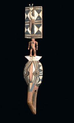 Gurunsi MASK Burkina Faso. H 128 cm. The auction catalog